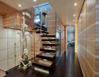 07-sanlorenzo-alloya-40-stairs-lrD4E38332-AFDD-493C-E40D-1FC64B1168CC.jpg