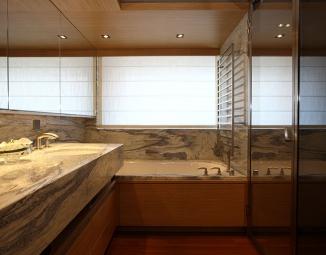 owner-bathroomD023D7DC-57AF-B935-5EE0-7DA3976D9AA0.jpg